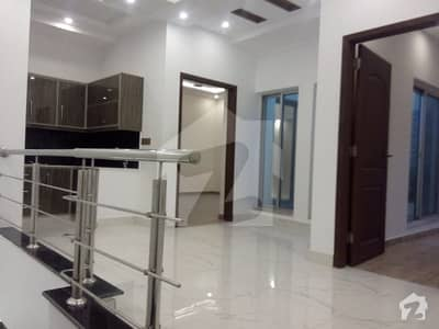 10 Marla Brand New 5 Bedroom House For Rent