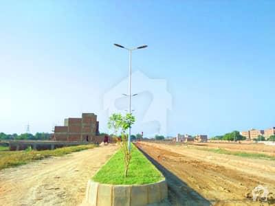 لطیف آباد حیدر آباد میں 3 مرلہ مکان 45 لاکھ میں برائے فروخت۔