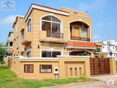بحریہ ٹاؤن فیز 2 بحریہ ٹاؤن راولپنڈی راولپنڈی میں 5 کمروں کا 11 مرلہ مکان 2.5 کروڑ میں برائے فروخت۔