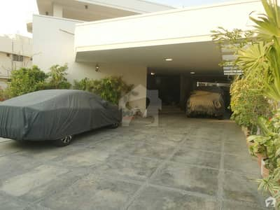Owner Built Modern Corner House 800 Sq Yards For Rent Ideal For Garden Lovers