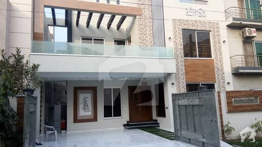 11 Marla Triple Storey Brand New House Available For Rent
