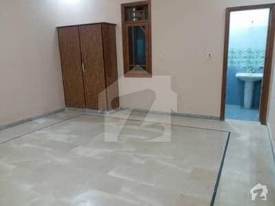 گلستانِِ جوہر ۔ بلاک 12 گلستانِ جوہر کراچی میں 3 کمروں کا 10 مرلہ بالائی پورشن 1.45 کروڑ میں برائے فروخت۔