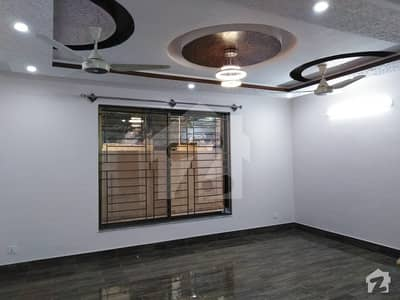I_8 New Tripl Storey Corner House Is Available For Rent