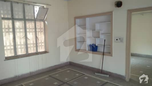 Upper Portion Available For Rent In Nishtar Block