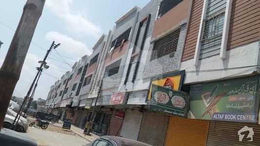 New Luxury Flat For sale 1500 Sq Fit 3 Bed dd FF North Karachi Sector 11b