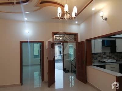 پی جی ای سی ایچ ایس فیز 1 پنجاب گورنمنٹ ایمپلائیز سوسائٹی لاہور میں 5 کمروں کا 10 مرلہ مکان 2.3 کروڑ میں برائے فروخت۔