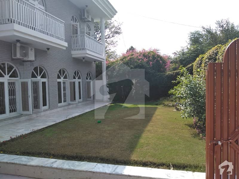 Excellent Beautiful House For Rent F-6