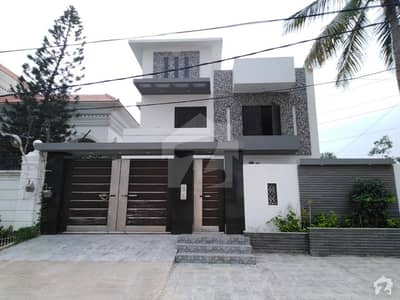 2 Unit Bungalow Is Available For Sale