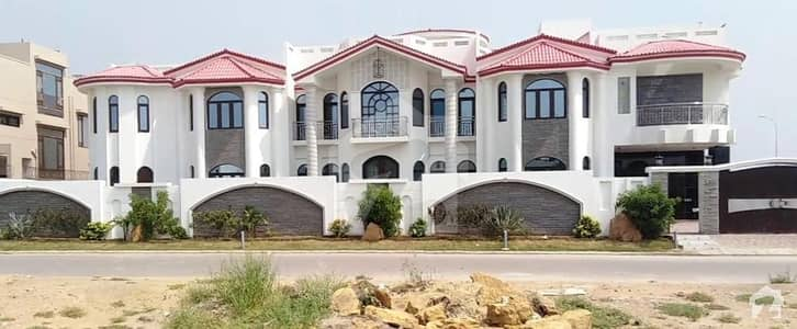 1000 Sq Yards Artistic Brand New Villa For Rent