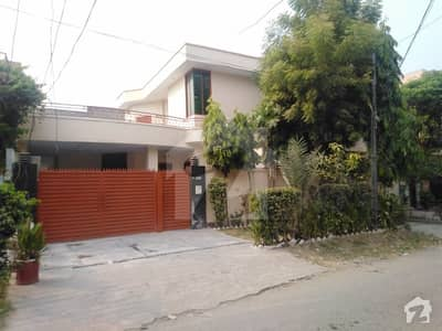 10 Marla Semi Commercial House For Sale In 14 Block Of Township Sector B1