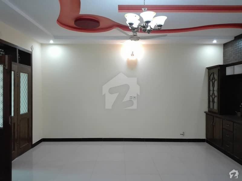 ایف ۔ 11/3 ایف ۔ 11 اسلام آباد میں 7 کمروں کا 1.33 کنال مکان 2.2 لاکھ میں کرایہ پر دستیاب ہے۔