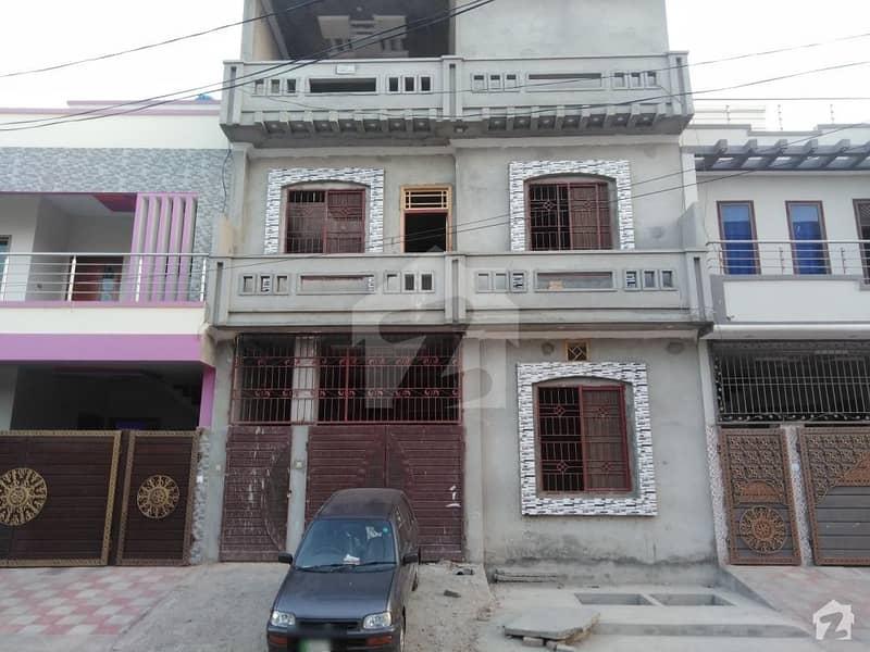 المجید پیراڈایئز رفیع قمر روڈ بہاولپور میں 5 کمروں کا 5 مرلہ مکان 35 ہزار میں کرایہ پر دستیاب ہے۔