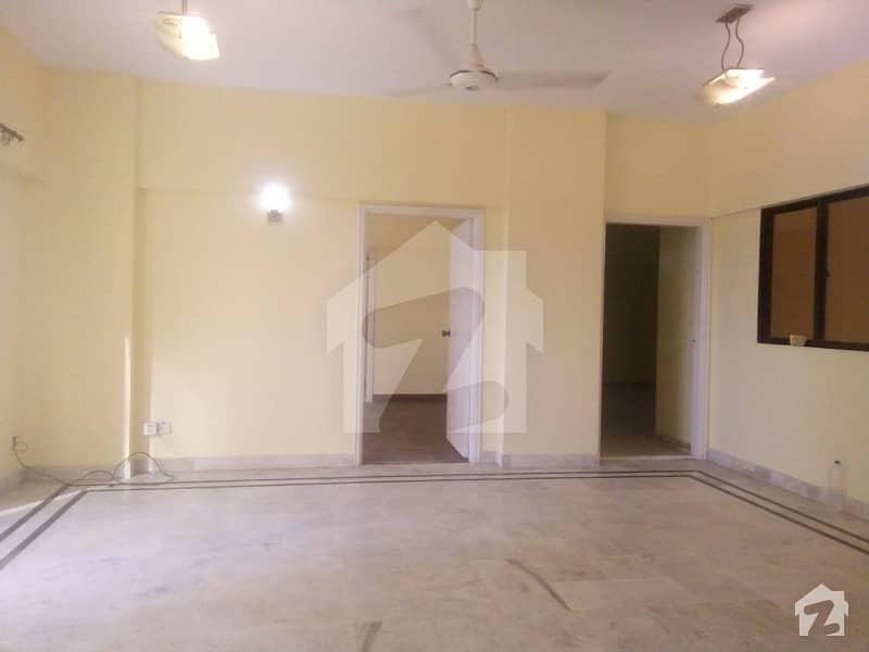 کلفٹن ۔ بلاک 2 کلفٹن کراچی میں 3 کمروں کا 8 مرلہ فلیٹ 70 ہزار میں کرایہ پر دستیاب ہے۔