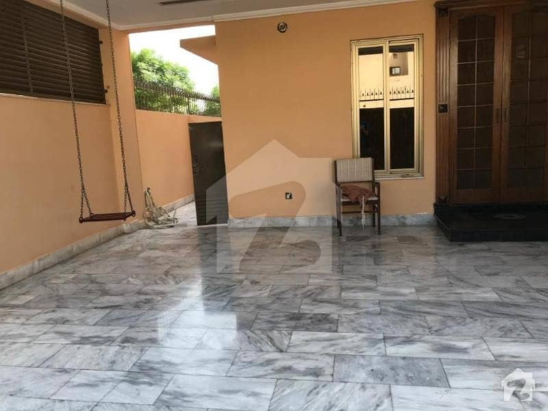 PRIME LOCATION ONE KANAL HOUSE FOR SALE IN DHA PHASE 8