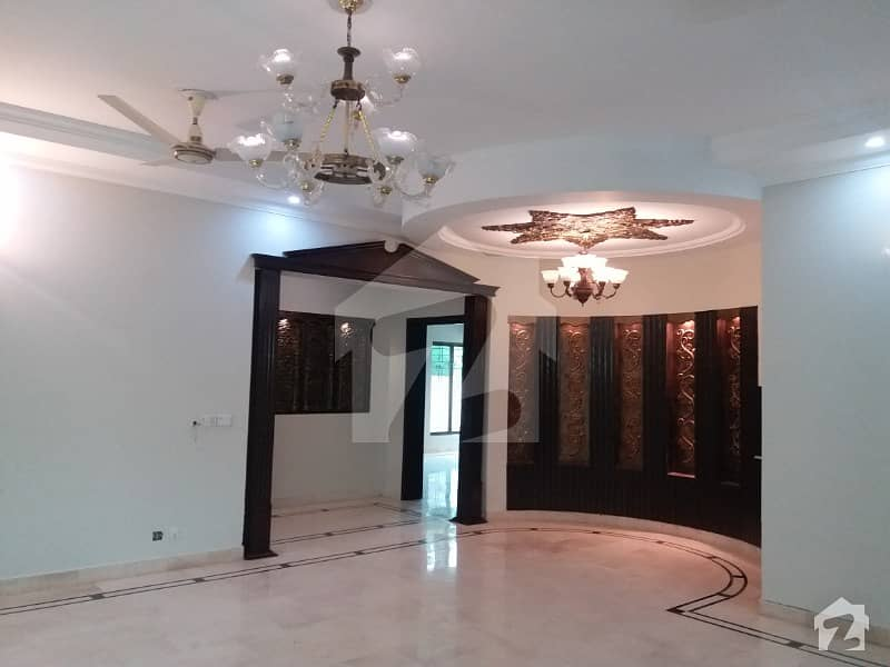 1kanal Owner Made Bungalow On Investment Price In Dha 3 Near Y Block Market And Mosque