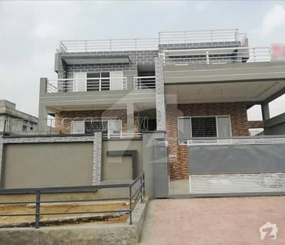 1 kanal uper porshan  for  rent  all facilities available
