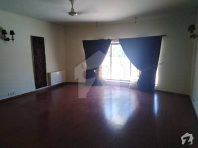 5 Bed BEAUTIFUL HOUSE FOR SALE IN F8