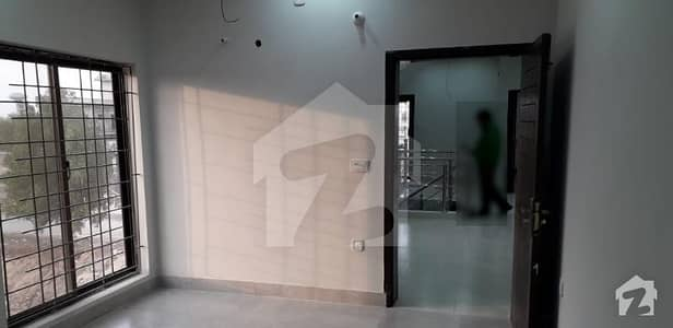 12 Marla Lavish Upper Portion for rent at Convenient Location
