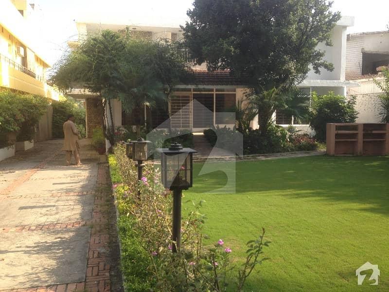 جی ۔ 6/3 جی ۔ 6 اسلام آباد میں 4 کمروں کا 6 مرلہ مکان 3. 5 لاکھ میں کرایہ پر دستیاب ہے۔
