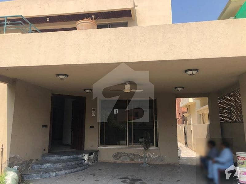 Hot Deal 1 Kanal Beautiful Lower Portion With Basement Hall Available For Rent In DHA Phase 4 Block DD