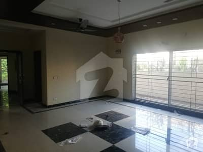 Defence  DHA Phase 3 Block X lower portion 1 kanal for rent