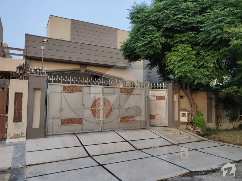 Lahore 1 Kanal House For Sale In Dha Phase 8 Air Avenue Block P