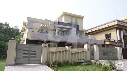 ایف ۔ 11/1 ایف ۔ 11 اسلام آباد میں 9 کمروں کا 1 کنال مکان 12 کروڑ میں برائے فروخت۔