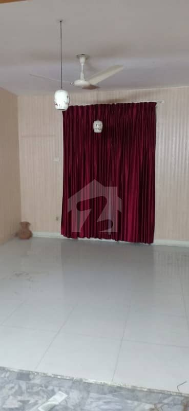 Model town lower portion for rent