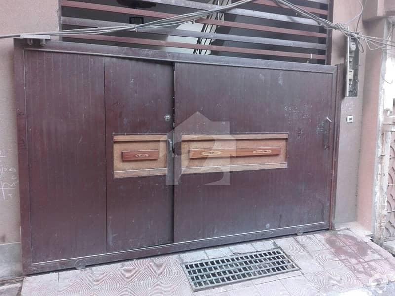 ڈھوک کشمیریاں راولپنڈی میں 2 کمروں کا 5 مرلہ بالائی پورشن 26 ہزار میں کرایہ پر دستیاب ہے۔