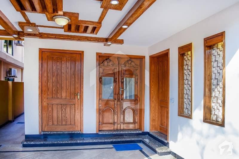 بحریہ ٹاؤن فیز 4 - بلاک ڈی بحریہ ٹاؤن فیز 4 بحریہ ٹاؤن راولپنڈی راولپنڈی میں 5 کمروں کا 10 مرلہ مکان 2.25 کروڑ میں برائے فروخت۔
