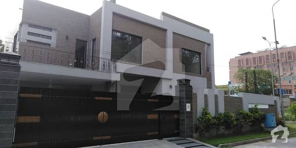 Kanal Luxurious Brand New Home Cantt Lahore