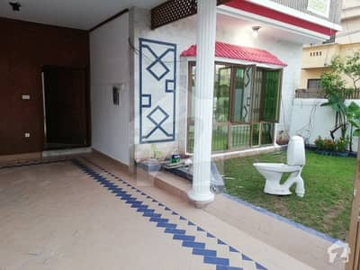 Chak Shahzad 10 Marla House For Rent