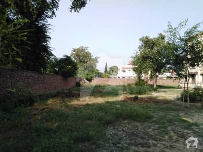 6 Kanal Plot For Sale In G Block Of Model Town Lahore