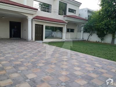 Brand New Dream House 2 Kanals In Centre Of Main Cantt With 7 Beds For Rent