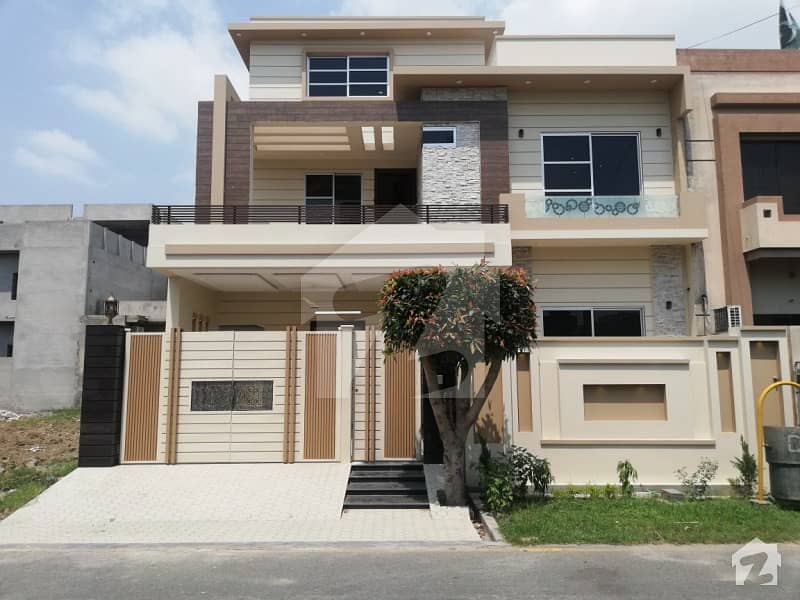 10 Marla House Is Available For Sale In Sector 4