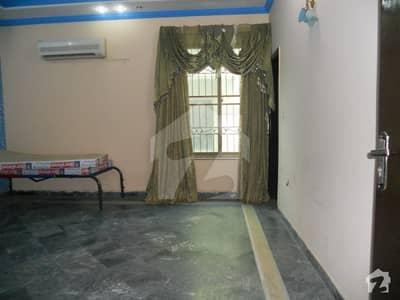 گارڈن ٹاؤن - طارق بلاک گارڈن ٹاؤن لاہور میں 4 کمروں کا 10 مرلہ مکان 2. 25 کروڑ میں برائے فروخت۔
