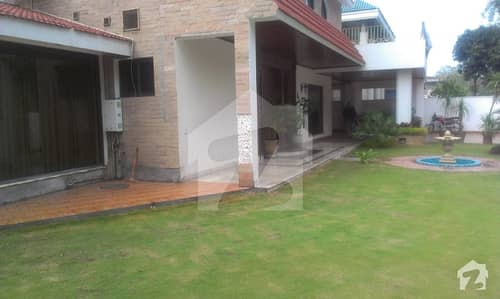 Cantt Sarwar   Road 2 Kanal 5 Marla Bungalow For Sale