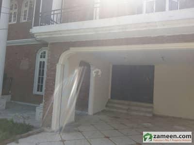 گلبرگ 3 گلبرگ لاہور میں 2 کمروں کا 12 مرلہ بالائی پورشن 55 ہزار میں کرایہ پر دستیاب ہے۔