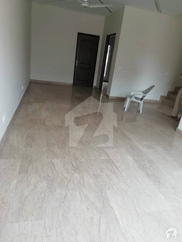 Brand new luxury 100 %original picture 6 marla house for rent in available and gas and electricity and park and Lgs school other facilities and play ground in available near ring rode near phase 5dha and sarvet rooms
