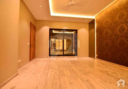 1 Kanal Luxurious Bungalow For Sale