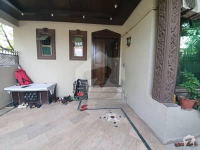 Beautiful House For Sale In F-6/1 Islamabad