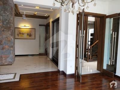 10 Marla full basement Double Unit House ideal location