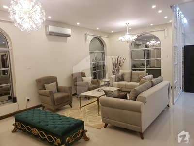 2 Bed Flat For Sale   In Crescent Lake Tower Bahria Town Phase 8