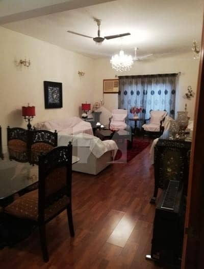 F-11 Double Storey Beautiful House 40x90 6 Bed 2 Kitchen For Sale