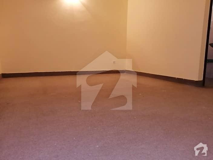 جی ۔ 6 اسلام آباد میں 2 کمروں کا 1.6 کنال مکان 25 ہزار میں کرایہ پر دستیاب ہے۔