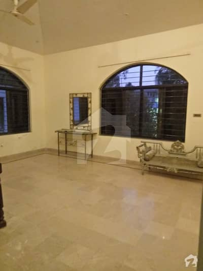 F10 One Kanal Beautiful 3Bed Upper Portion With Separate Gate for Rent
