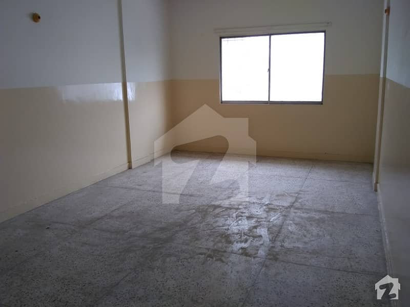 FLAT AVAILABLE FOR RENT 2 BED DRAWING  DINING IN BAHADURABAD