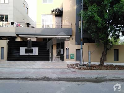 10 Marla Like A Brand New House For Sale In Rafi Block Of Bahria Town Lahore
