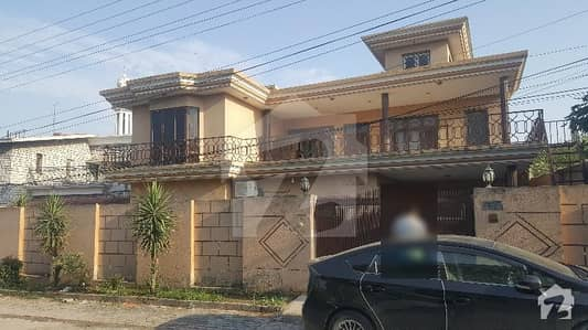 16 Marla Double Unit Five Bed Room Spacious House Behind Caltex Road Near Masjid Commercial Area