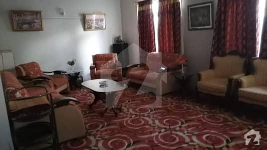 گلشنِ اقبال - بلاک 13 ڈی گلشنِ اقبال گلشنِ اقبال ٹاؤن کراچی میں 8 کمروں کا 16 مرلہ مکان 6.7 کروڑ میں برائے فروخت۔